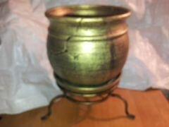Горшок керамический большой на подставке